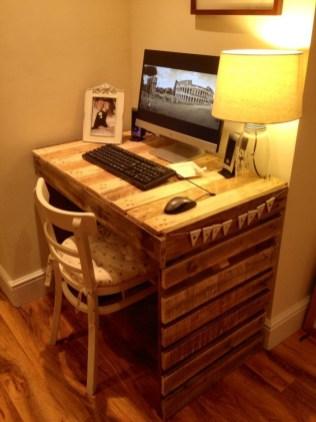Adorable Crafty Diy Wooden Pallet Project Ideas 38
