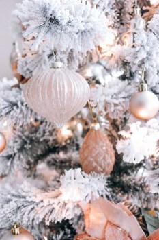 Adorable White Christmas Decoration Ideas 29