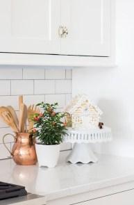 Awesome Christmas Kitchen Decor Ideas 01