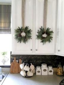 Awesome Christmas Kitchen Decor Ideas 39