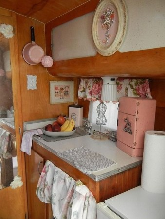 Beautiful Rv Remodel Camper Interior Ideas For Holiday 33