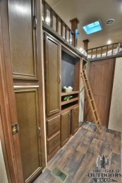 Beautiful Rv Remodel Camper Interior Ideas For Holiday 41