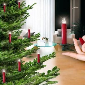 Charming Christmas Candle Decor Ideas 27