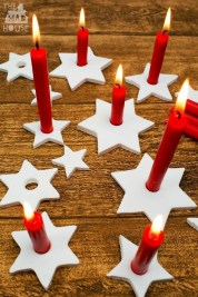 Charming Christmas Candle Decor Ideas 37