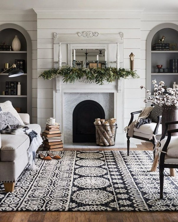 Comfy Winter Living Room Ideas With Fireplace 40