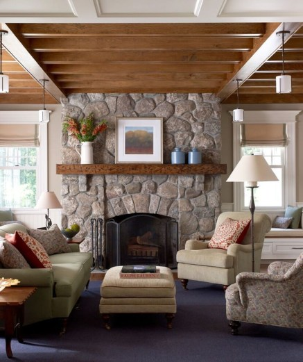 Comfy Winter Living Room Ideas With Fireplace 44