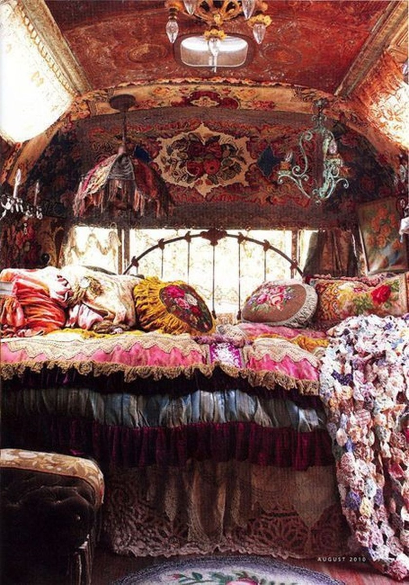 Creative Bohemian Bedroom Decor Ideas 31