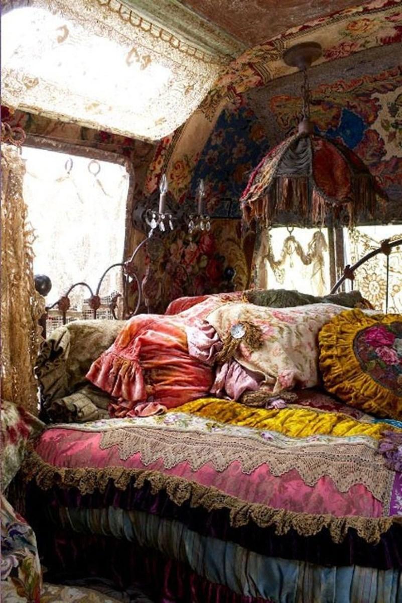 Creative Bohemian Bedroom Decor Ideas 44