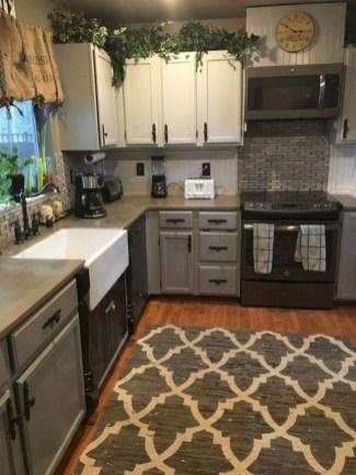 Cute Farmhouse Kitchen Remodel Ideas 13