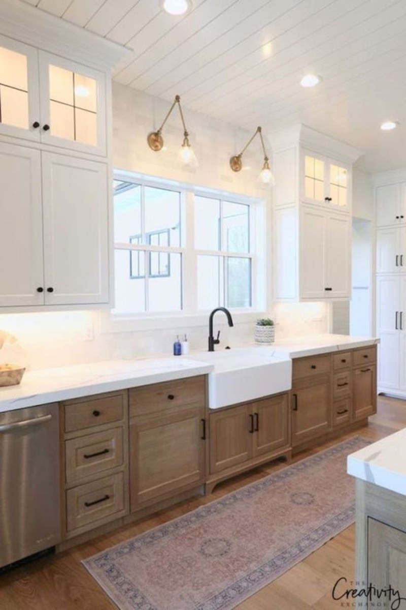 Cute Farmhouse Kitchen Remodel Ideas 38