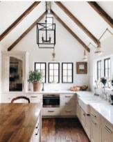 Cute Farmhouse Kitchen Remodel Ideas 51