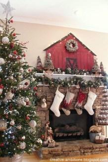 Fascinating Farmhouse Christmas Decor Ideas 44