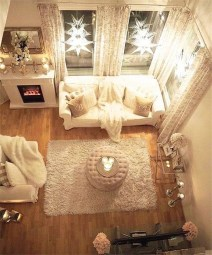 Gorgeous Christmas Apartment Decor Ideas 21