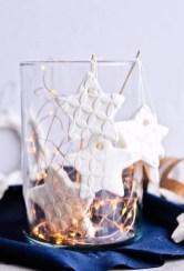 Gorgeous Christmas Apartment Decor Ideas 46
