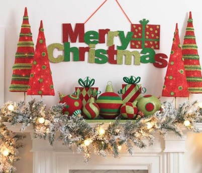 Lovely Red And Green Christmas Home Decor Ideas 23