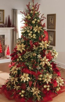 Lovely Red And Green Christmas Home Decor Ideas 49
