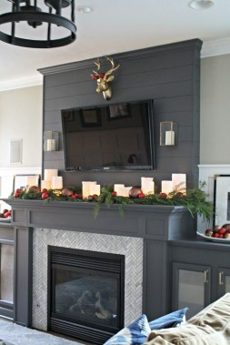 Lovely Red And Green Christmas Home Decor Ideas 55