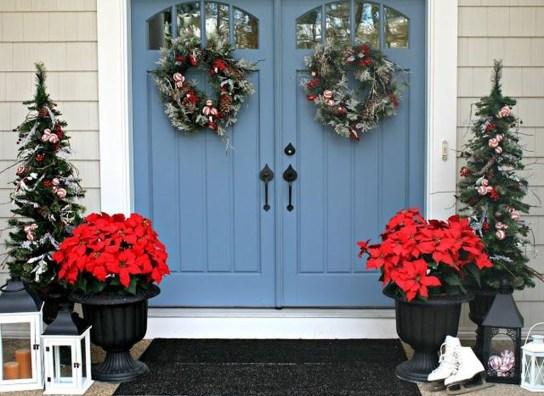 Perfect Christmas Front Porch Decor Ideas 06