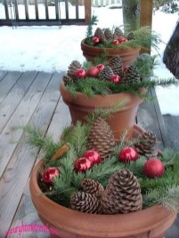 Perfect Christmas Front Porch Decor Ideas 20