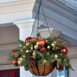 Perfect Christmas Front Porch Decor Ideas 22