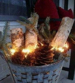 Perfect Christmas Front Porch Decor Ideas 53