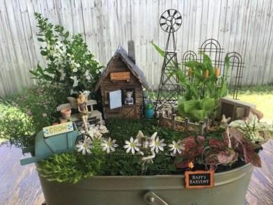 Pretty Diy Christmas Fairy Garden Ideas 20