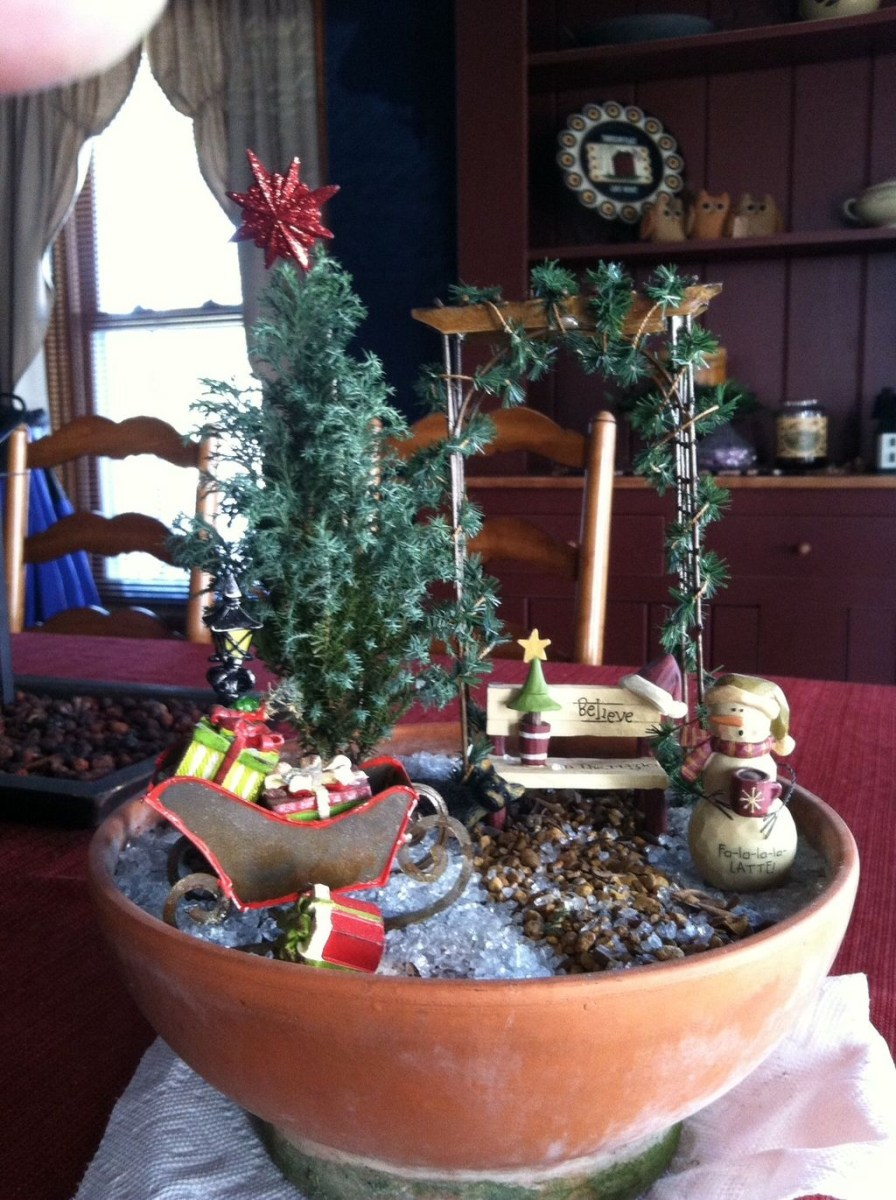 Pretty Diy Christmas Fairy Garden Ideas 39