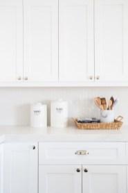 Pretty White Kitchen Backsplash Ideas 30