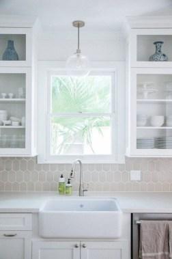 Pretty White Kitchen Backsplash Ideas 50