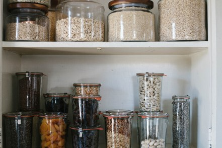 Simple Minimalist Pantry Organization Ideas 18