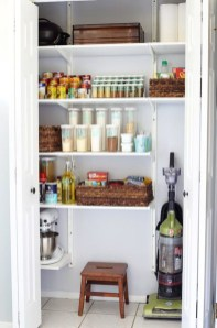 Simple Minimalist Pantry Organization Ideas 40