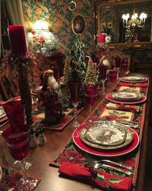Stunning Christmas Dining Table Decoration Ideas 06