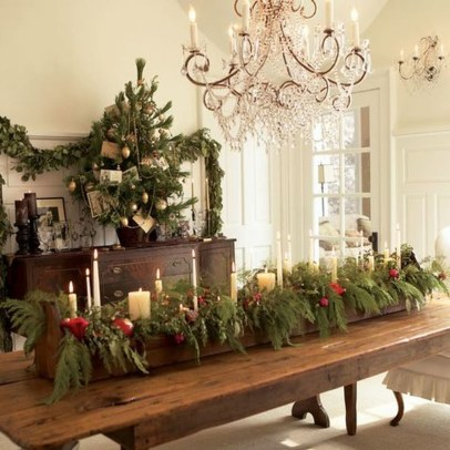 Stunning Christmas Dining Table Decoration Ideas 15