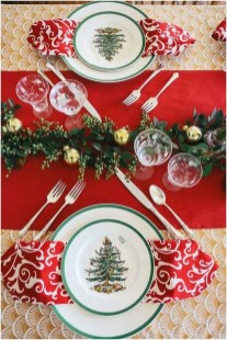 Stunning Christmas Dining Table Decoration Ideas 44