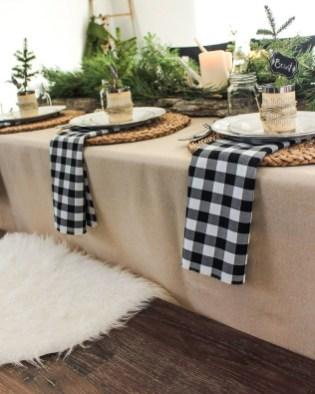 Unordinary Christmas Home Decor Ideas 09