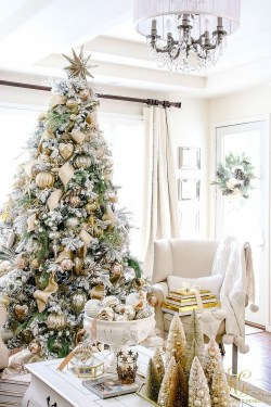 Unordinary Christmas Home Decor Ideas 16