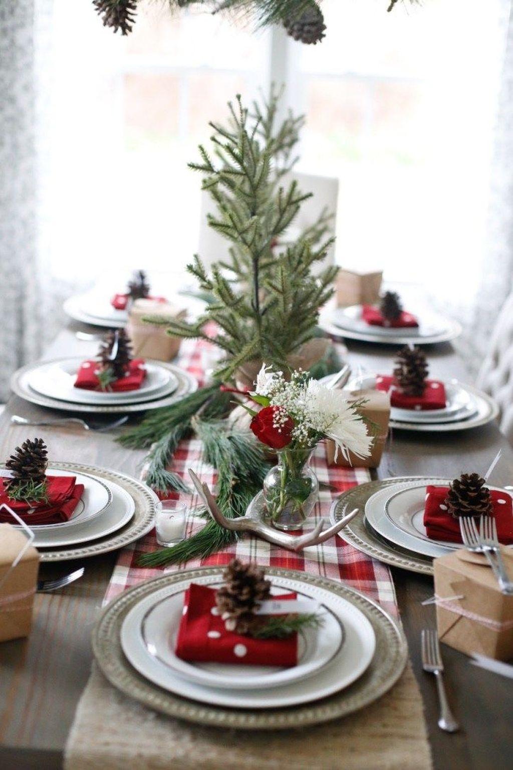 Unordinary Christmas Home Decor Ideas 25