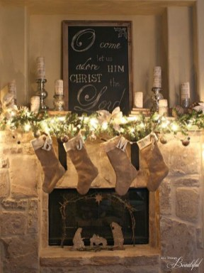 Unordinary Christmas Home Decor Ideas 47