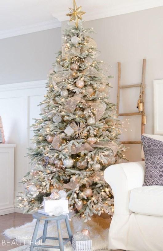 Unordinary Christmas Home Decor Ideas 52