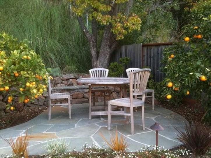 Attractive Small Patio Garden Design Ideas For Your Backyard 33