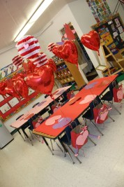 Awesome Classroom Party Decor Ideas For Valentines Day 04