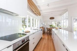 Elegant Beach Coastal Style Kitchen Decor Ideas 03