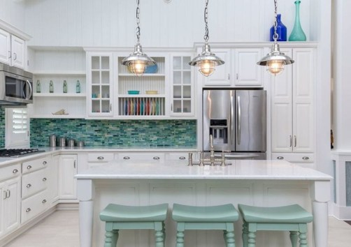 Elegant Beach Coastal Style Kitchen Decor Ideas 12