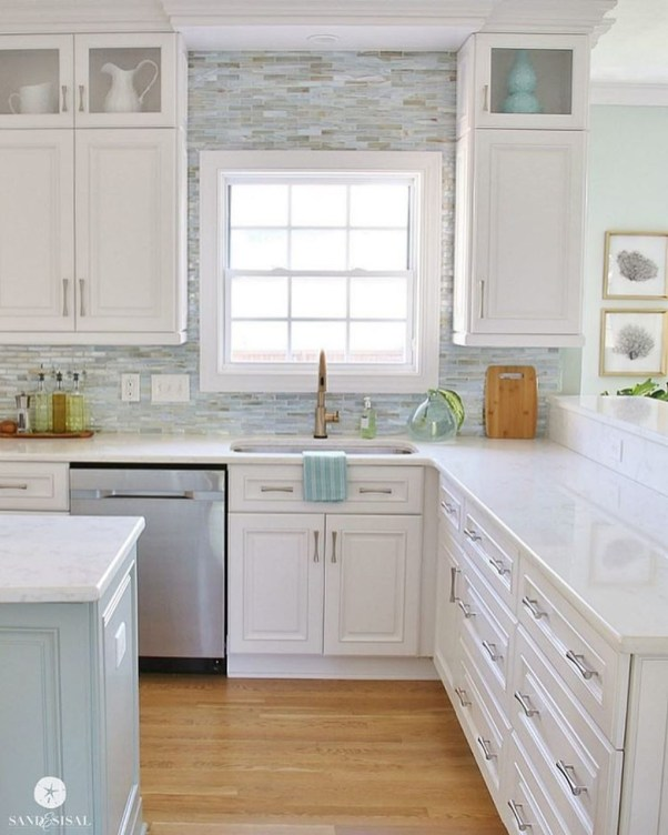 Elegant Beach Coastal Style Kitchen Decor Ideas 45