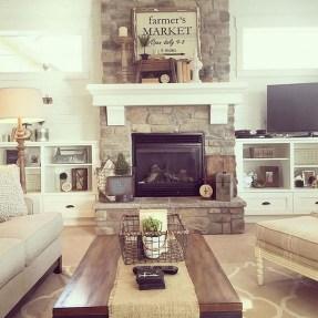 Popular Farmhouse Mantel Decorating Ideas 15