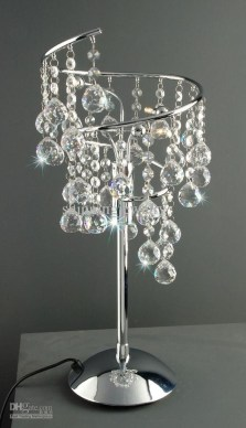 Pretty Chandelier Lamp Design Ideas For Your Bedroom 17