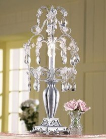 Pretty Chandelier Lamp Design Ideas For Your Bedroom 41