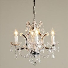 Pretty Chandelier Lamp Design Ideas For Your Bedroom 49
