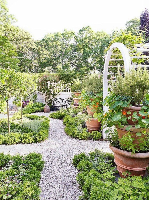 Smart Garden Design Ideas For Front Your House 27