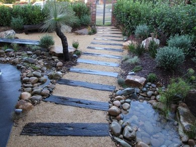 Smart Garden Design Ideas For Front Your House 40